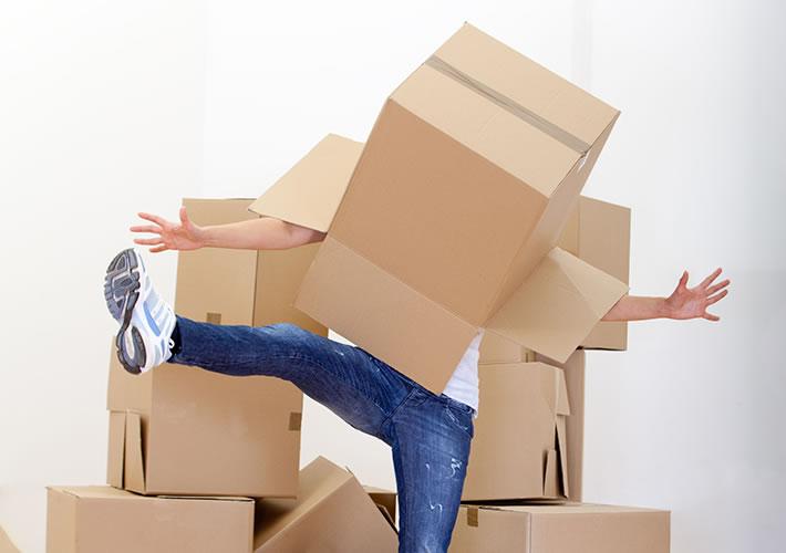 con un po' di ironia anche impacchettare tutta casa può essere divertente